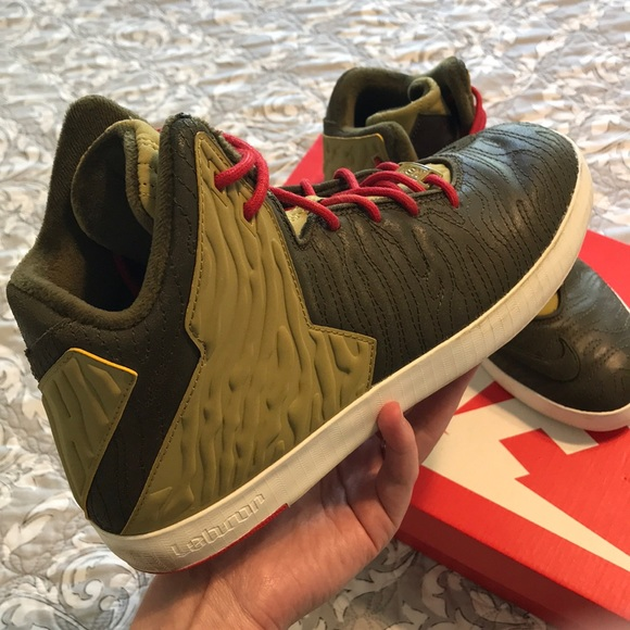 promo code eeb5a 11a05 Nike Lebron XI NSW Lifestyle-Temp. price reduction